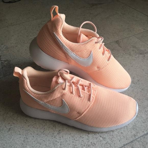 Nike Roshe One GS 4.5 Y 489fa1998b
